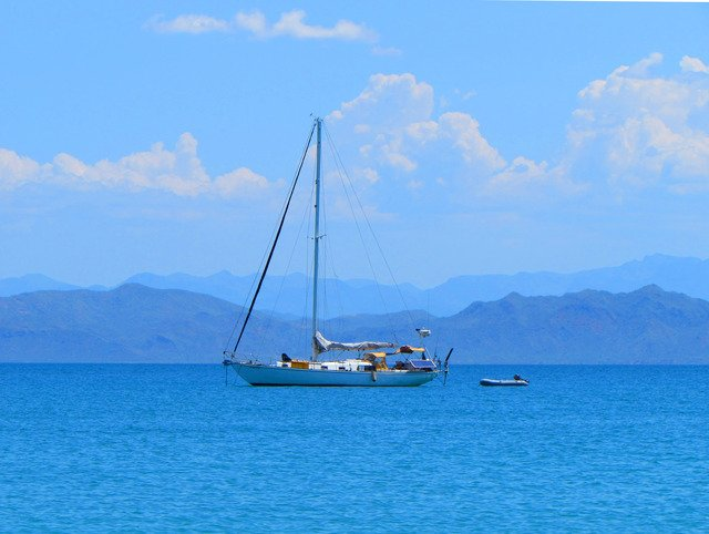 Moving to Baja - Sailing Sea of Cortez